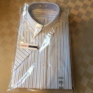 Men's short sleeve dress shirt.